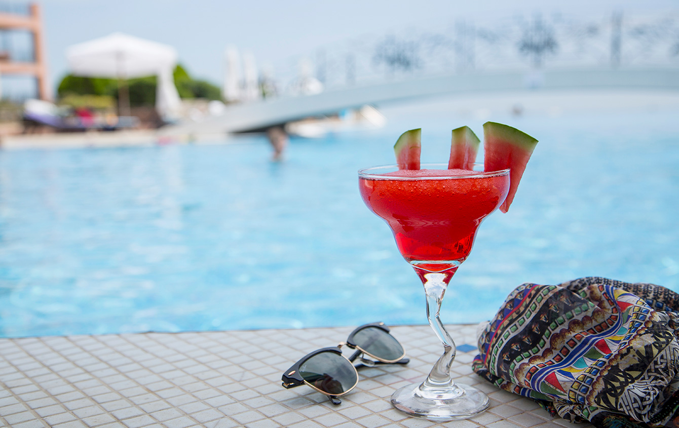 Time for cocktails by the pool